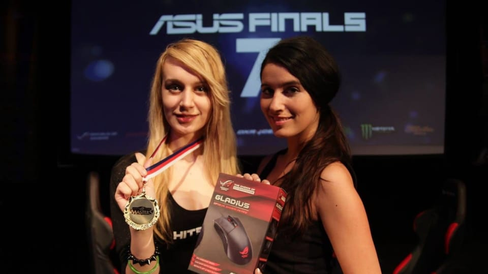 Holky na ASUS Finals